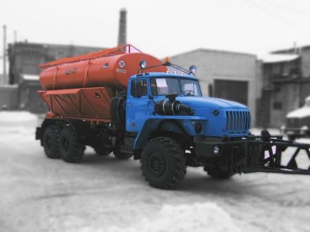 Машина комбинированная уборочная МД-432