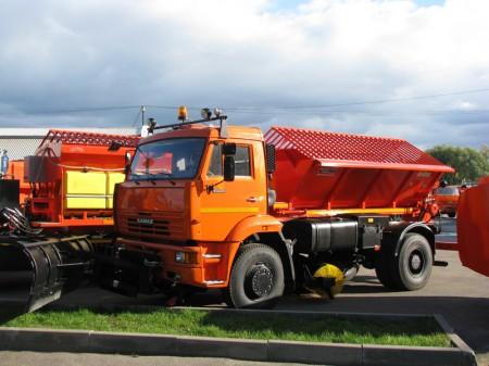 Комбинированная дорожная машина КО-829Д