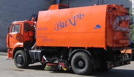 Вакуумная подметально-уборочная машина КО-318